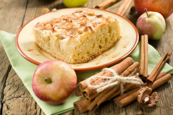 Homemade apple pie with cinnamon